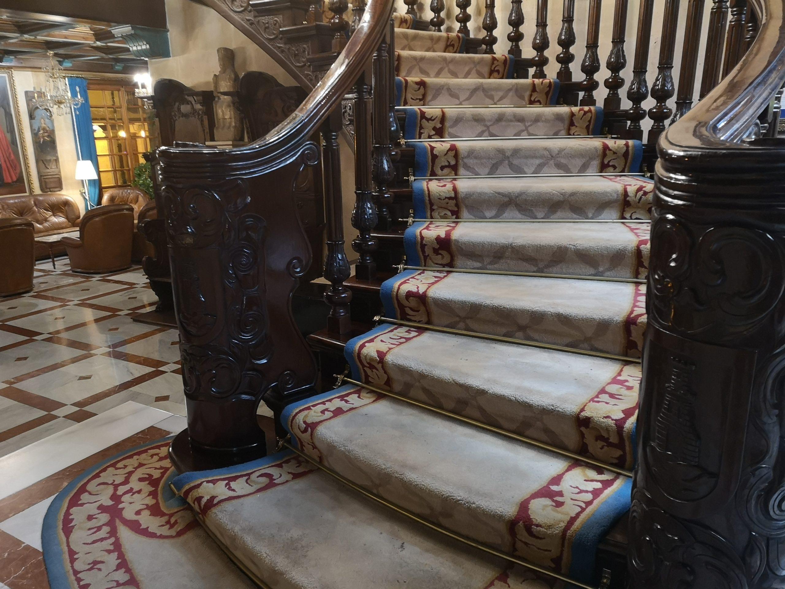 Hotel II VIrrey Palafox: Escalera